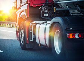 GPS泥头车智能雷竞技器-关注泥头车行驶安全,避免交通事故